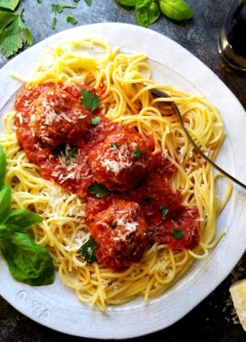 Classic Meatballs and Tomato Sauce