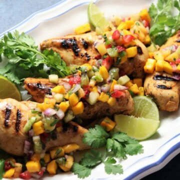 Grilled Tequila Lime Chicken w/ Fresh Fruit Salsa   Give it Some Thyme – fire up the grill for this simple, easy, and delicious dinner that screams spring and summer! #grilledtequilalimechicken #tequilalimechicken #tequilalimechickenmarinade #grilledchicken #grilledchickenrecipes #fruitsalsa #fruitsalsarecipe #healthyfruitsalsa #glutenfreerecipesfordinner #ketorecipes #giveitsomethyme #quickandeasyrecipes