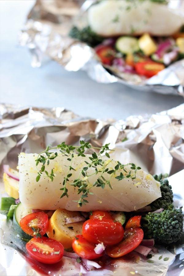 Fish and Veggies in Foil #halibut #fishrecipe #grilledfish #foilpackets #healthyfoilpackets #foilpacketsforthegrill #summerdinner