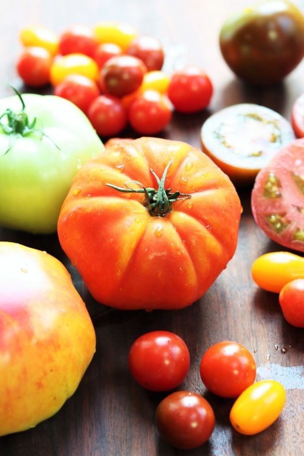 Heirloom Tomatoes - giveitsomethyme.com #heirloomtomatoes