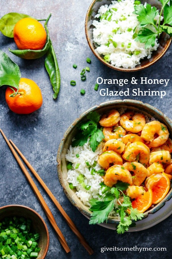 Orange & Honey Glazed Shrimp | Give it Some Thyme – an easy and delicious recipe of tender plump shrimp in a sweet n' spicy orange glaze served with jasmine rice! #orangeglazedshrimp #orangeshrimp #easyorangeshrimp #chineseorangeshrimp #shrimpdinners #shrimpdinnerideas #shrimpdinnerhealthy #asianrecipes #healthydinners #lowfatrecipes #giveitsomethyme