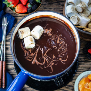 Dark Chocolate Fondue Bar - Give it Some Thyme – luxuriously smooth, rich dark chocolate fondue with a bar of delcious dipping treats is what chocolate lovers dreams are made of! #darkchocolatefondue #darkchocolatefonduerecipe #darkchocolatefondueparties #chocolatefondue #chocolatefonduebar #easychocolatefondue #chocolatefonduedippers #valentinesdaydesserts #valentinesdaydessertideas #valentinesdaydessertsrecipes #giveitsomethyme