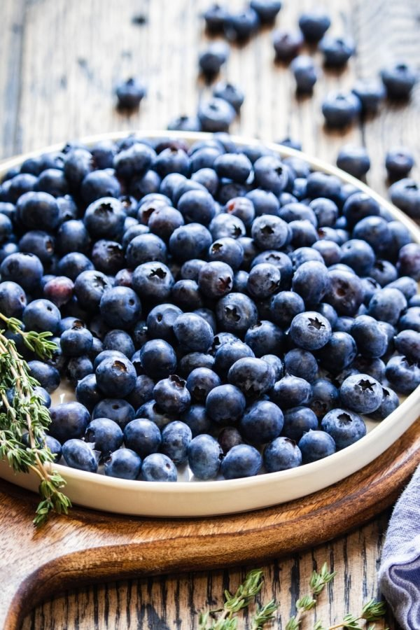 Blueberries piled on round plate