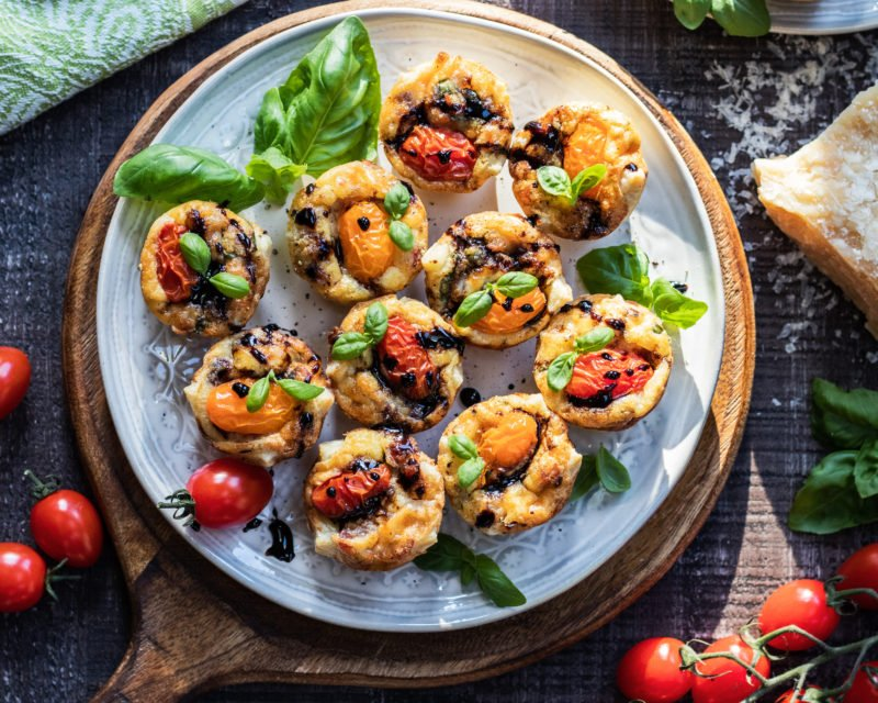 Cherry Tomato & Pancetta Mini Quiches | Give it Some Thyme – a delicious and easy mini quiche recipe perfect for brunch or snacking any time of day! #miniquiche #miniquicherecipe #miniquichesinmuffintin #easterbrunchfood #easterbrunchideas #mothersdaybrunch #mothersdaybrunchideas #brunch #brunchrecipes #brunchideas #appetizers #giveitsomethyme