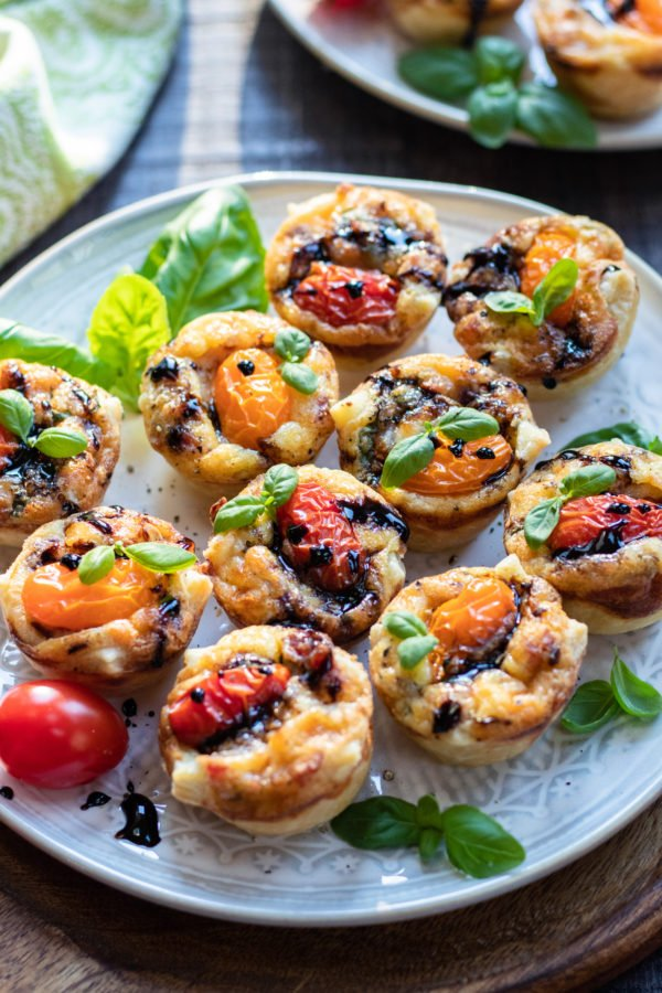 Cherry Tomato and Pancetta Mini Quiches | Give it Some Thyme – a delicious and easy mini quiche recipe perfect for brunch or snacking any time of day! #miniquiche #miniquicherecipe #miniquichesinmuffintin #easterbrunchfood #easterbrunchideas #mothersdaybrunch #mothersdaybrunchideas #brunch #brunchrecipes #brunchideas #appetizers #giveitsomethyme