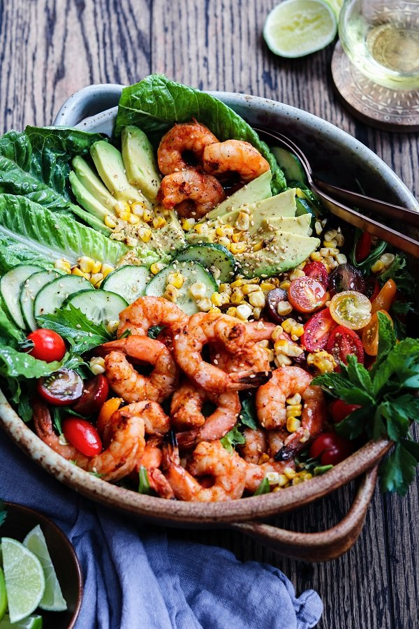 Grilled Shrimp Garden Salad w/ Sesame Lime Dressing - a delicious, summery salad loaded with fresh greens, tomatoes, corn, cucumbers and succulent shrimp!