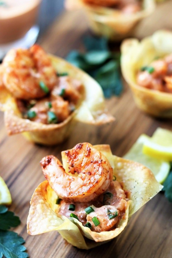 Yum Yum Shrimp in Wonton Cups | Give it Some Thyme – crispy wonton cups are filled with plump shrimp coated in the classic Japanese steakhouse sauce! #yumyumshrimp #yumyumshrimpsauce #shrimprecipes #shrimpappetizers #fingerfoods #asianrecipes #mothersdaydinner #giveitsomethyme