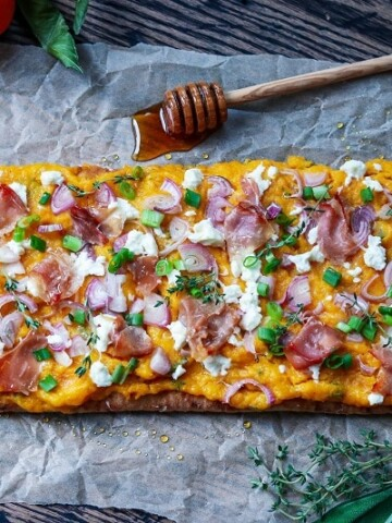 Roasted Butternut Squash & Goat Cheese Flatbread | giveitsomethyme.com – an easy flatbread recipe showcasing butternut squash, goat cheese, prosciutto and shallots with fresh thyme and sage!