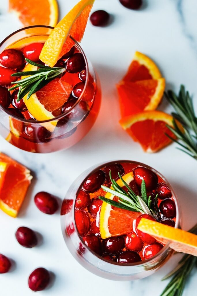 Cranberry Orange Prosecco Cocktail | giveitsomethyme.com - This crisp and refreshing cocktail is festive, delicious and perfect for celebrating holidays throughout the year. #proseccococktails #cranberryorangeproseccococktail #cranberryproseccococktail #prosecco #christmascocktails #proseccochristmascocktails #holidaycocktails #brunchcocktails #giveitsomethyme