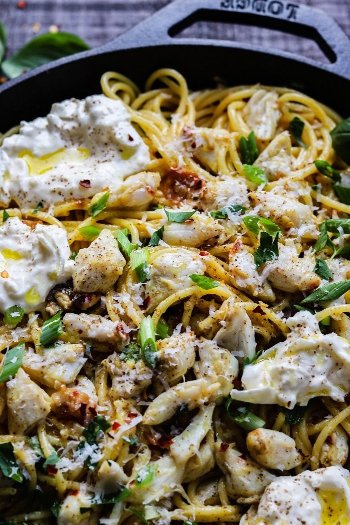 Spicy Pasta & Crab Carbonara with Burrata | giveitsomethyme.com - An irresistible twist on pasta carbonara with succulent hunks of jumbo lump crab lingering in silky smooth, eggy sauce with spaghetti, crispy bacon and creamy burrata! #pastacarbonara #crabcarbonarapasta #pastadinnerrecipes #classicitalianpastarecipes #spaghetticarbonara #carbonarapasta #carbonarasauce #comfortfood #giveitsomethyme