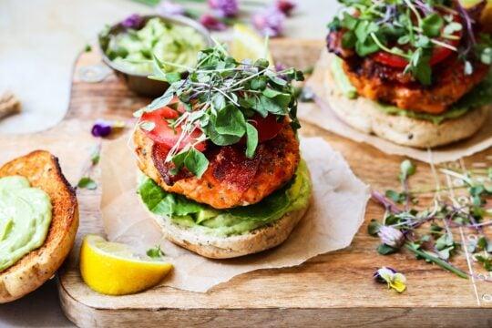 BLT Salmon Burgers w/ Avocado Chive & Yogurt Aioli featured image