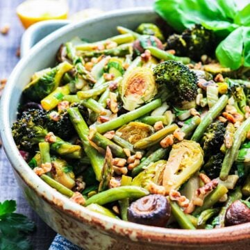 Green beans, asparagus, broccoli, brussel sprouts and mushrooms roasted in balsamic glaze.